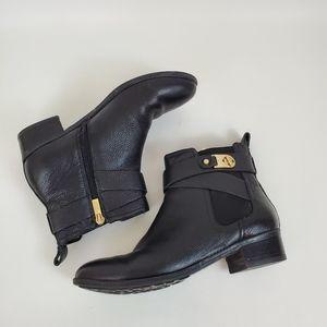 Isaac Mizrahi zip up leather block heel bootie